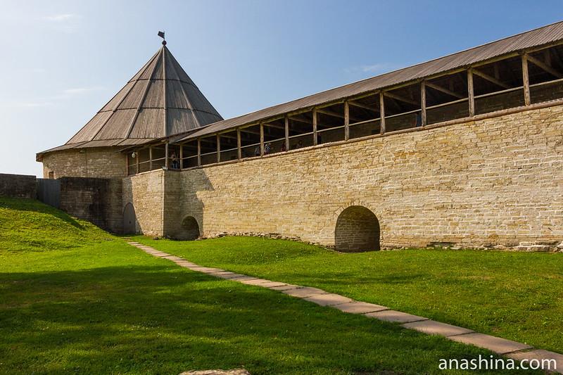 Климентовская башня и крепостная стена, Старая Ладога