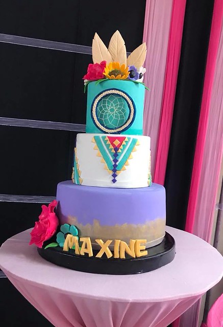 Cake by Le Sucre' Cakes and Pastries