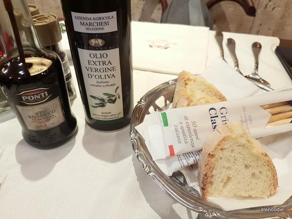Ristorante Sant'Andrea bread basket