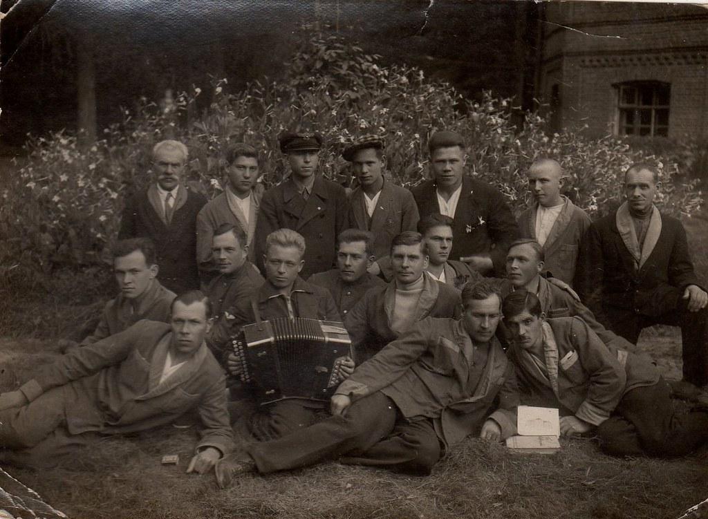 1933. Летчики в санатории аэрофлота в Покровско - Стрешнево