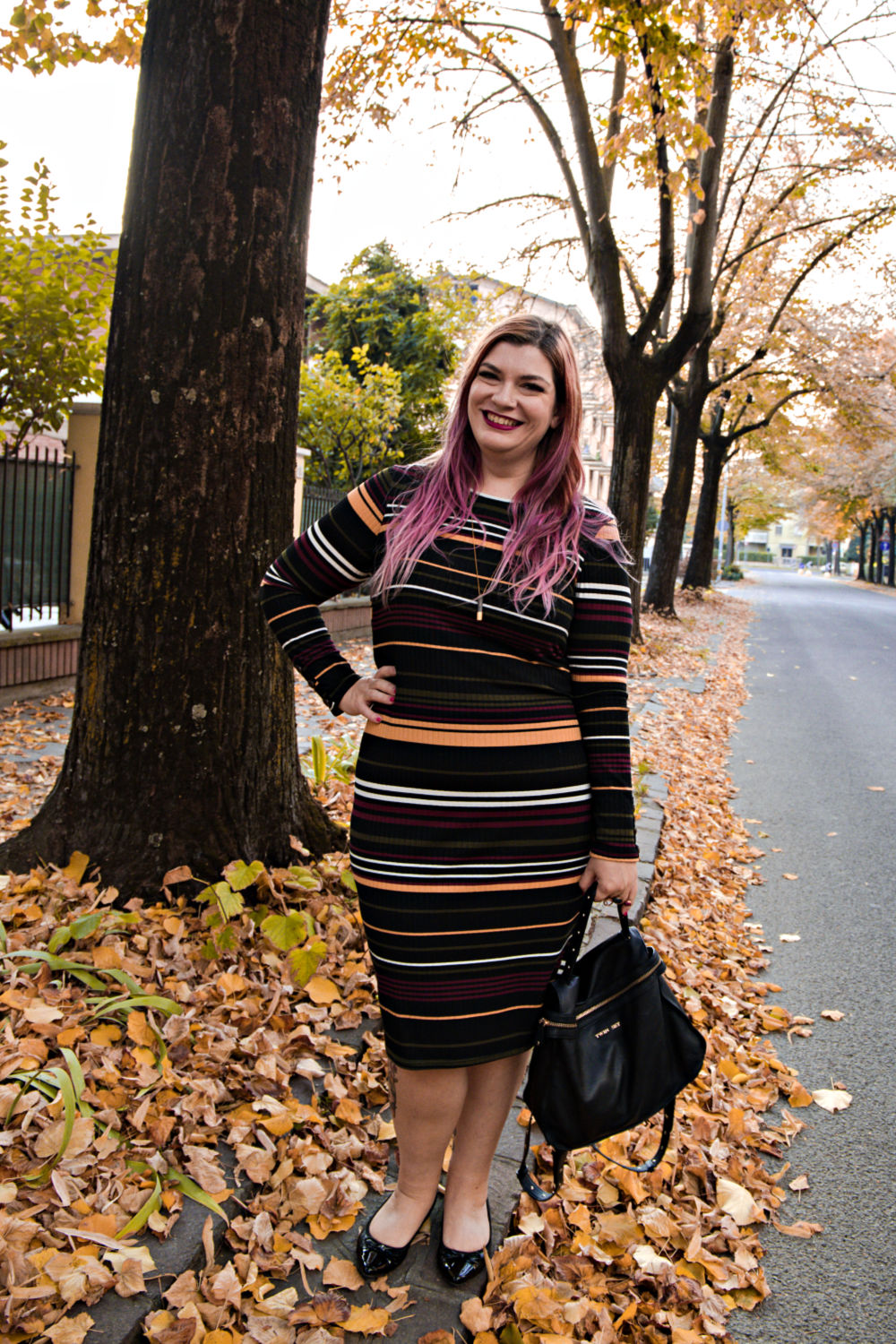 Outfit curvy, plus size, come indossare un vestito aderente, bodycon (6)