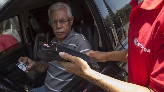 Venezuela implementa novo sistema de pagamento para a gasolina