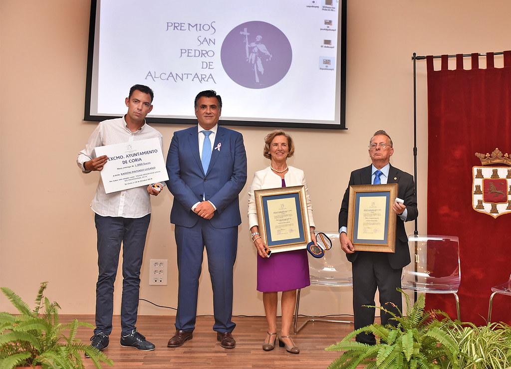 El Ayuntamiento de Coria premia a José Delgado, Eladio Paniagua y Ramón Pintiado en los II Premios San Pedro de Alcántara