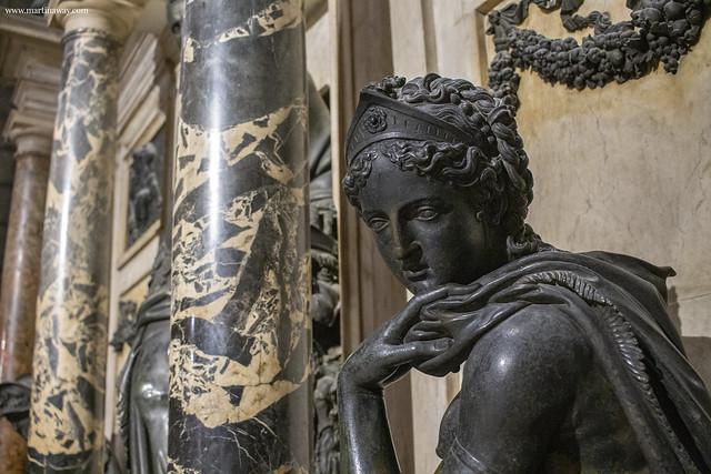 Duomo di Milano: monumento funebre a Gian Giacomo Medici detto il Medeghino