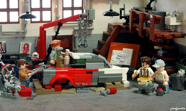 Vintage Garage Diorama Scene 4