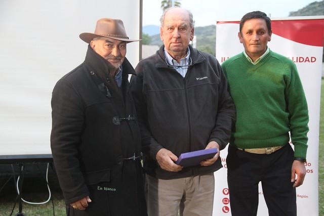 Alcalde de Coltauco y autoridades locales inauguran mejoramientos en Club Deportivo Sergio Livingstone