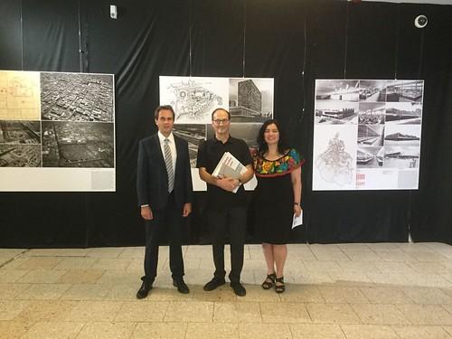 Se inaugura en Frankfurt la exposición UnLake City y se presenta película sobre Teodoro González de León