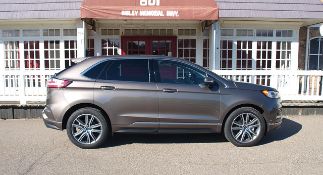 2019 Ford Edge Titaniun Elite