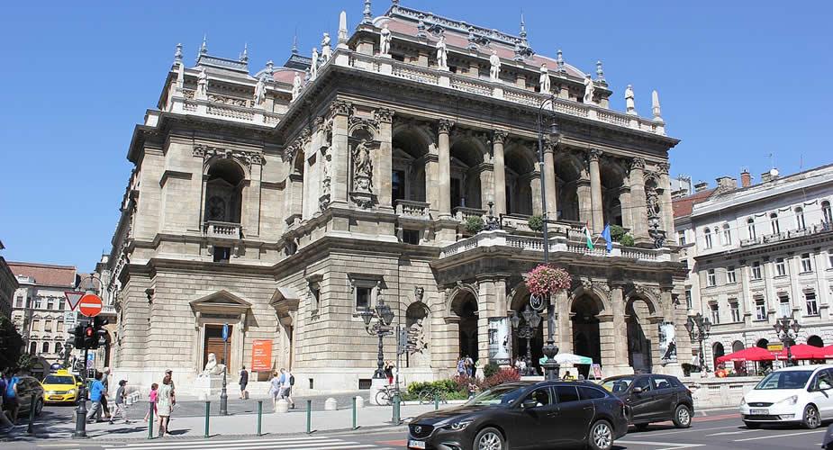 De leukste wijken van Boedapest, Terézváros: Opera van Boedapest | Mooistestedentrips.nl