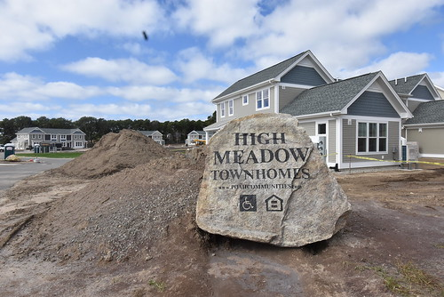 High Meadow Townhomes Ribbon Cutting
