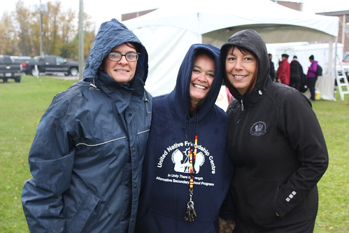 <p>RRDSB's Wendy Orchard and Seven Generations' Aimee Beazley</p>