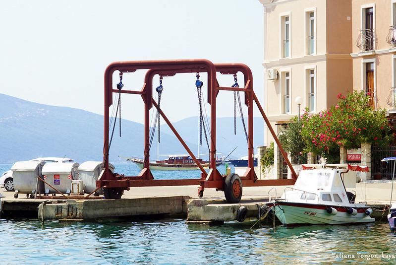 Кран в гавани Калимань