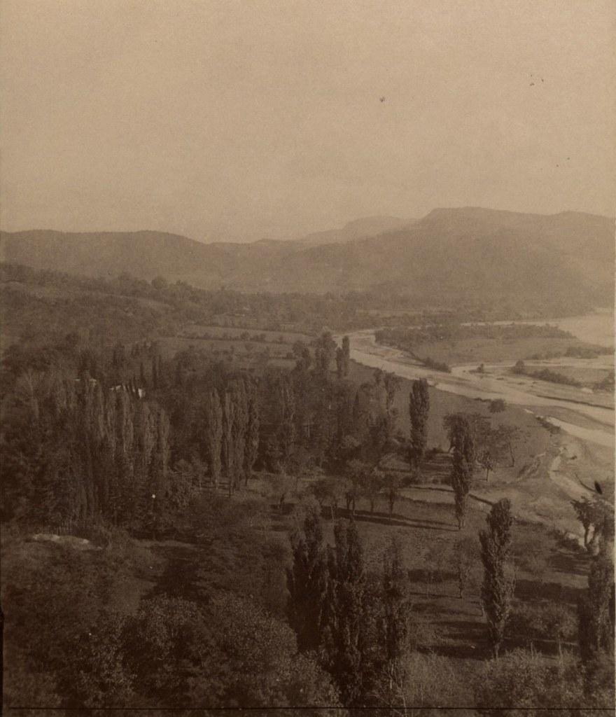 Ферма, река Риони и монастырь