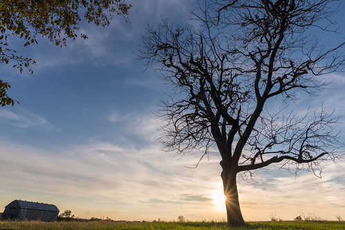 americanhistory battleofrichmond civilwar kentucky richmondbattlefield barn battlefield sunset tree landscape sky