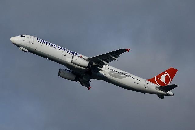 TC-JMK A321-231 Turkish Airlines, Sony DSC-RX10M3, Sony 24-600mm F2.4-4.0