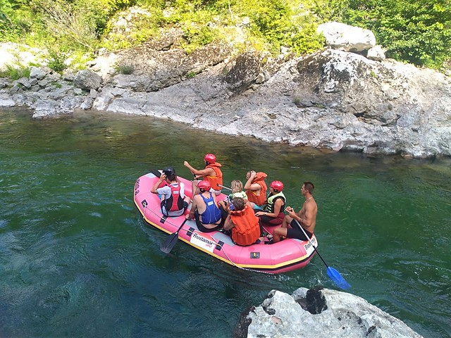 Make your rafting trip on Neretva