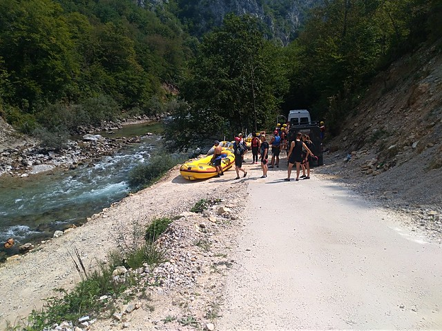 new albumGo to the Neretva river for rafting