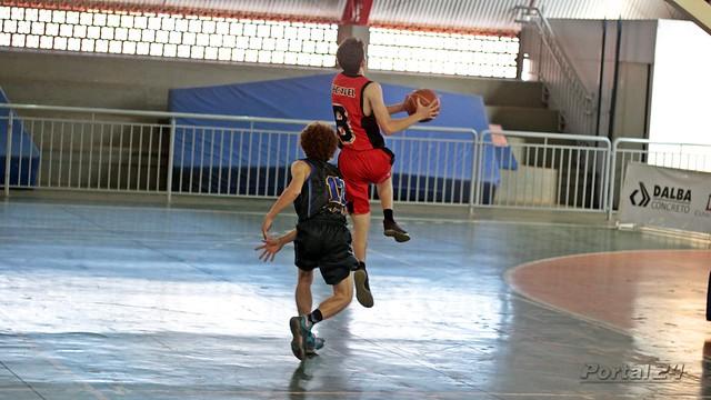 ACB vence Colégio Cristo Rei e garante vaga na semifinal da 3ª Liga de Basquete Unopar