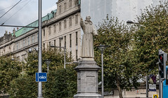 FATHER MATHEW STATUE [BACK IN O'CONNELL STREET AND STILL MISSING SOME FINGERS]-145300