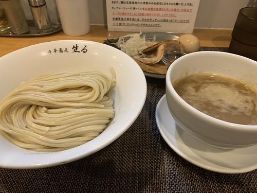 中華蕎麦 生る