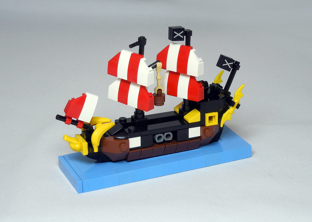 LEGO® MOC by Vitreolum: 6285 Black Seas Barracuda Micro