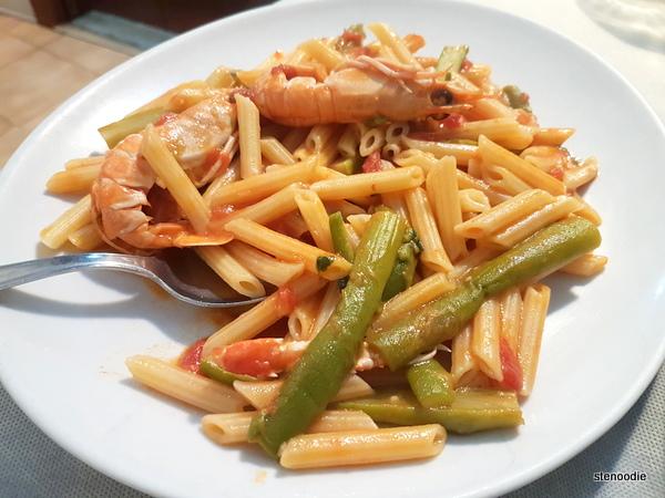 Sedanini con scampo ed asparagi