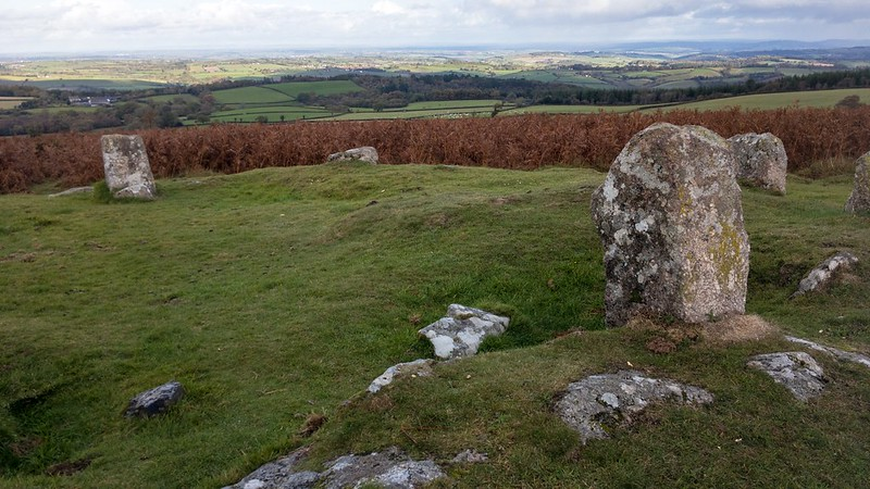 Is this the Giant's Grave cairn/stone circle?