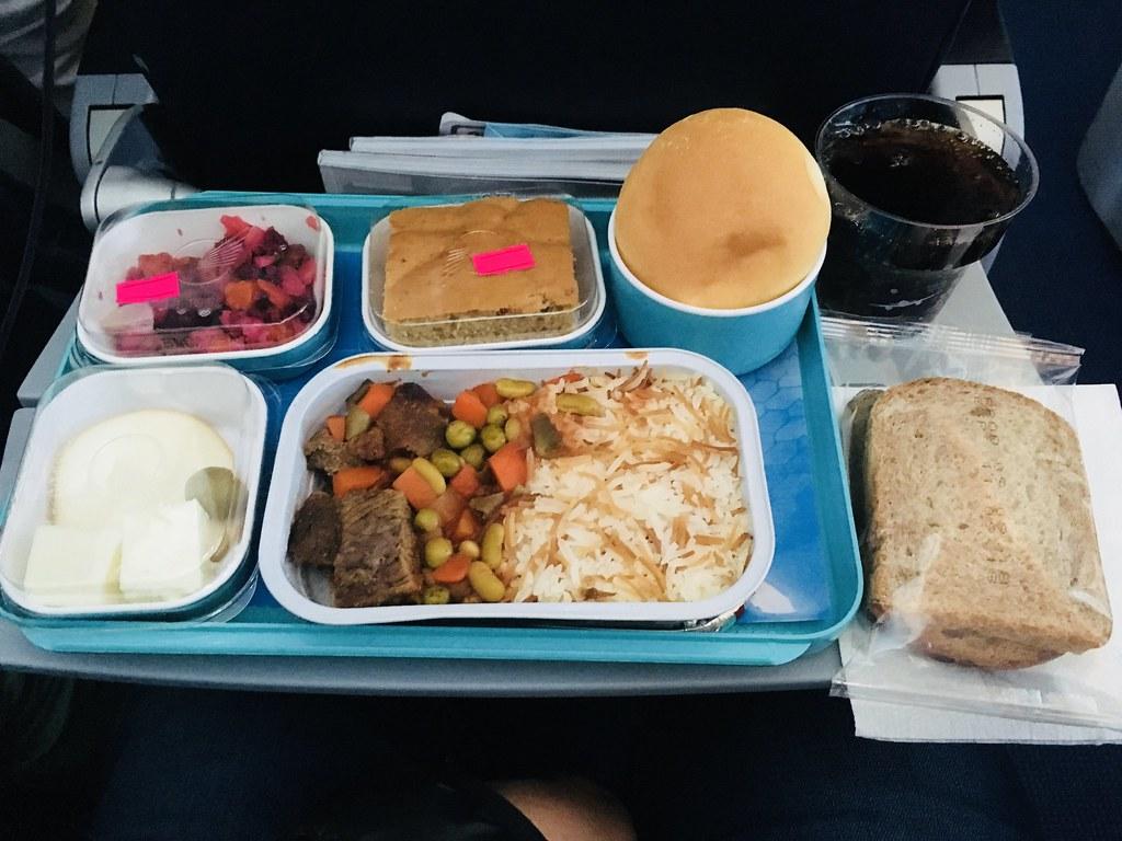 Azerbaijan Airlines J2 76 Istanbul to Baku (IST-GYD) Boeing 787-800 Economy Class