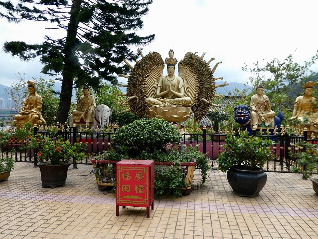 Monastery of 10,000 Buddhas Hong Kong