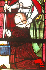 Détail d'un vitrail de l'église de Saint-Julien-sur-Suran