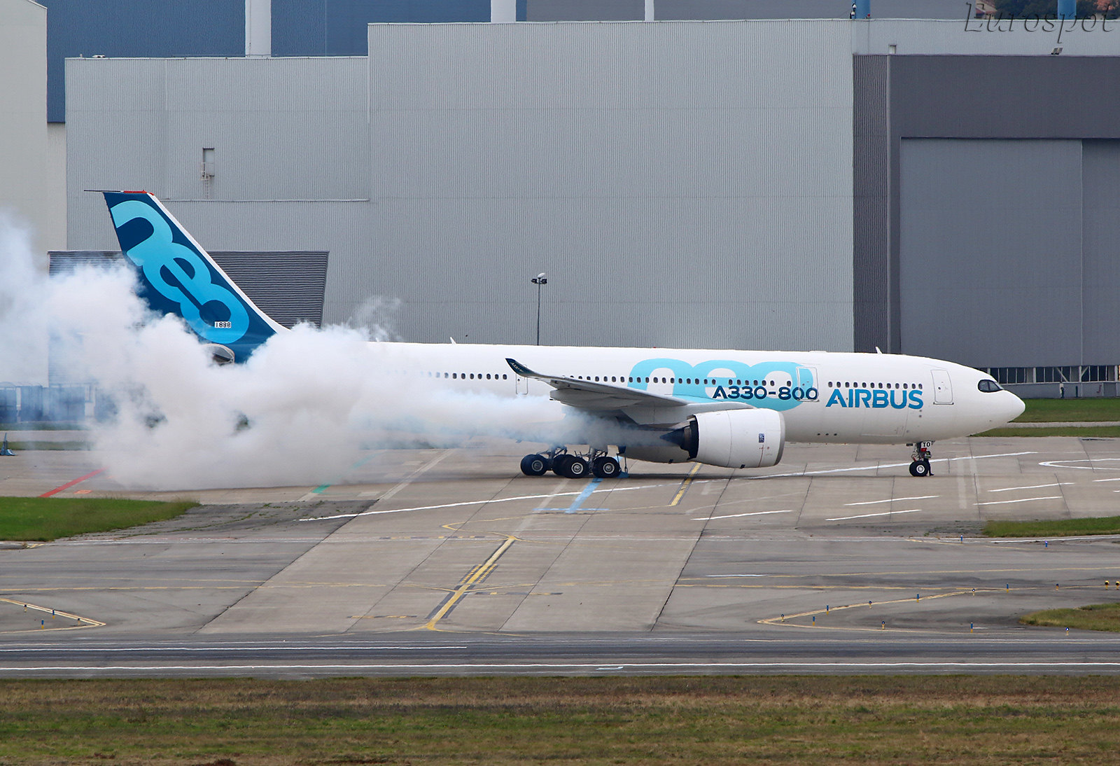 F-WTTO Airbus A330-800 1st engines run #2