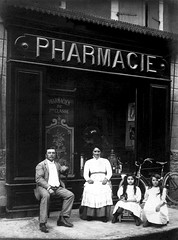 Paul, Marie, Marthe et une amie vers 1910 - Photographie X - Photo of Cazeneuve-Montaut