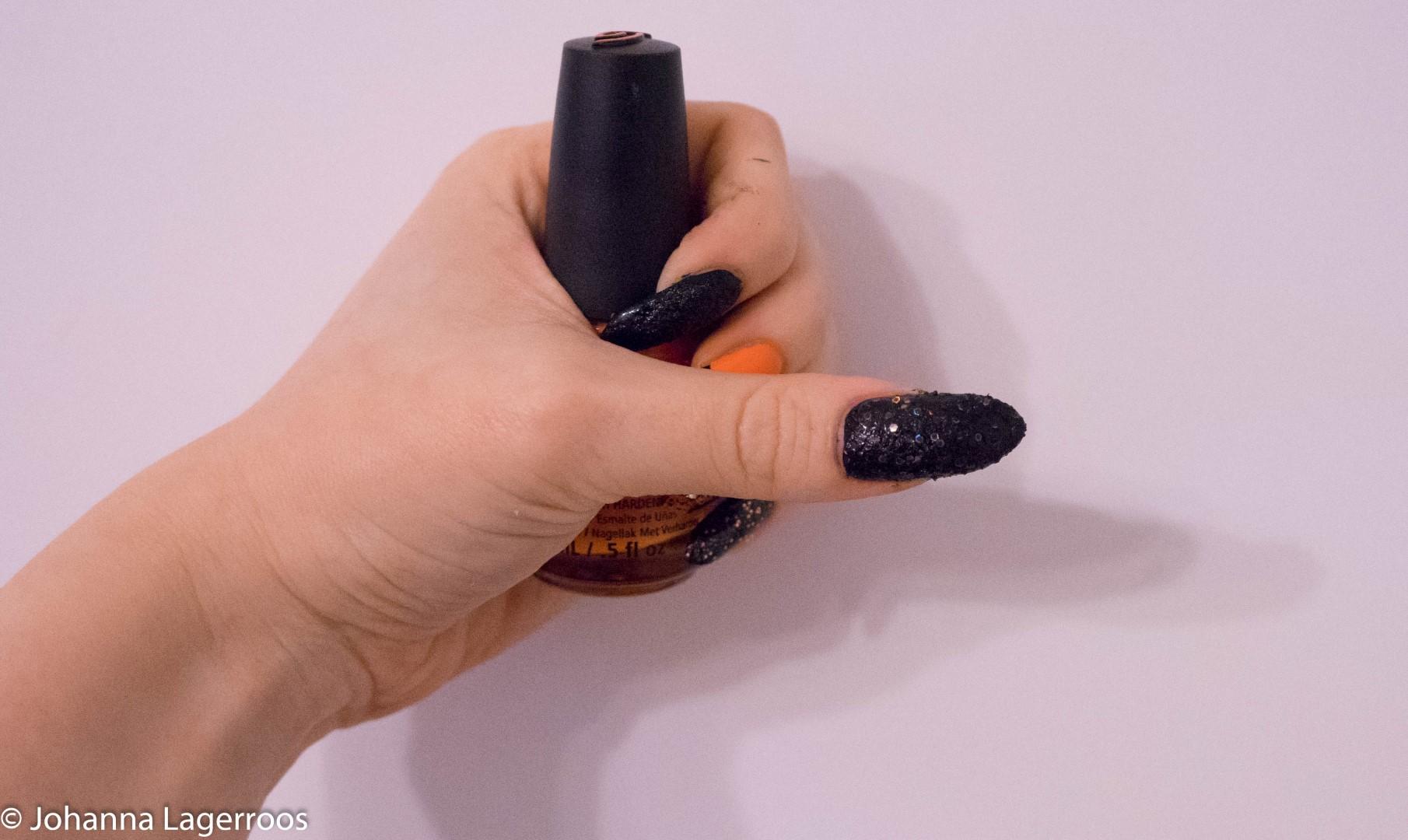 black glitter nail
