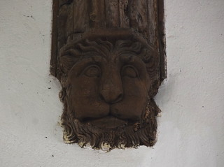 corbel: noble lion (early 16th Century?)