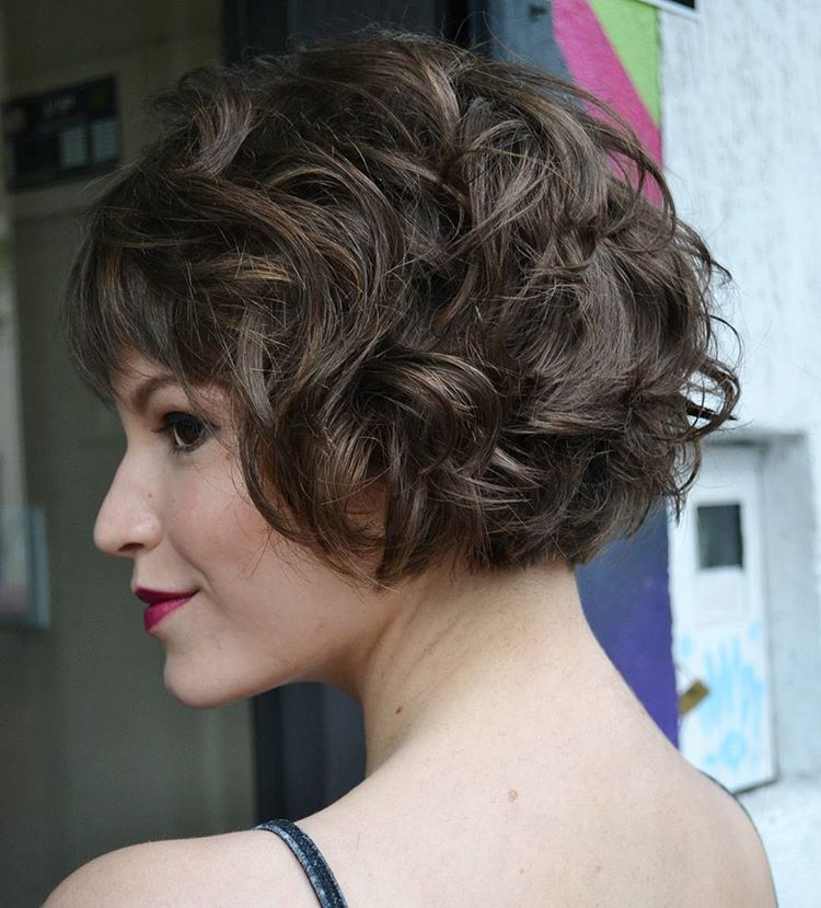 Best Haircuts For Curly Hair 2019 That Stand Out 13