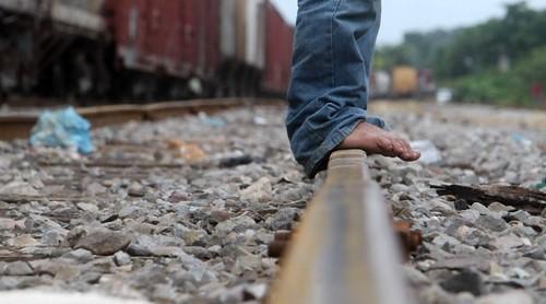 En la via del tren