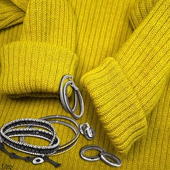 What Jewelry do you wear with this Fall's Yellow Fashions? Ceylon Yellow is one of Fall's New Colors. How do you wear it? You can mix it with light teals or rich purples but Black or Rhodium jewelry pieces make this color you main focal point. Black and R