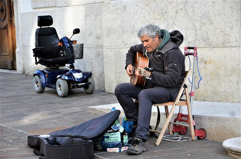 Street Musician 29.09 (1)