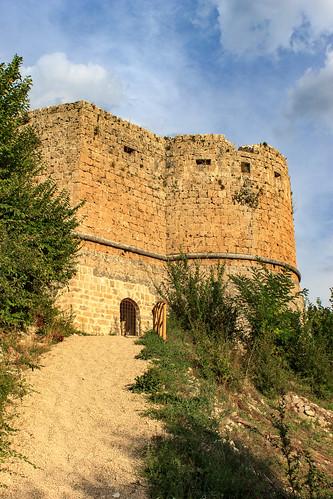 Castello ducale Cantelmo  a Popoli (PE) - Torre rotonda a S detta Angioina