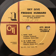 FREDDIE HUBBARD:SKY DIVE(LABEL SIDE-A)