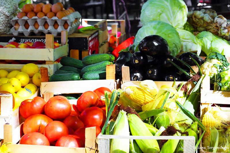 Ассортимент овощей с требинского рынка