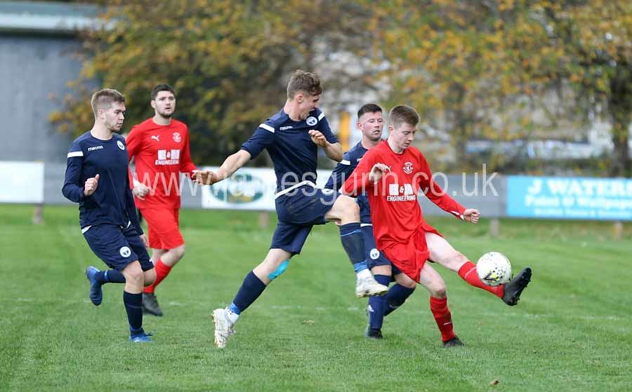 2018 10 20_Thurso_v_Inverness_5386_innes_mackintosh_wins_ball