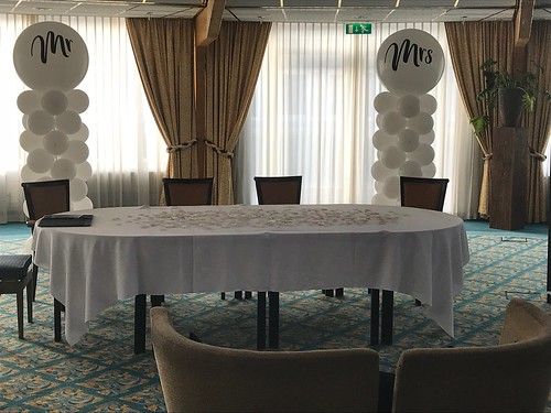 Ballonpilaar Breed Rond Mr and Mrs Carlton Oasis Hotel Spijkenisse