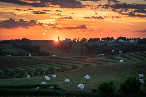 waunakee wisconsin unitedstates us rural farm farming sun sunset grass silo