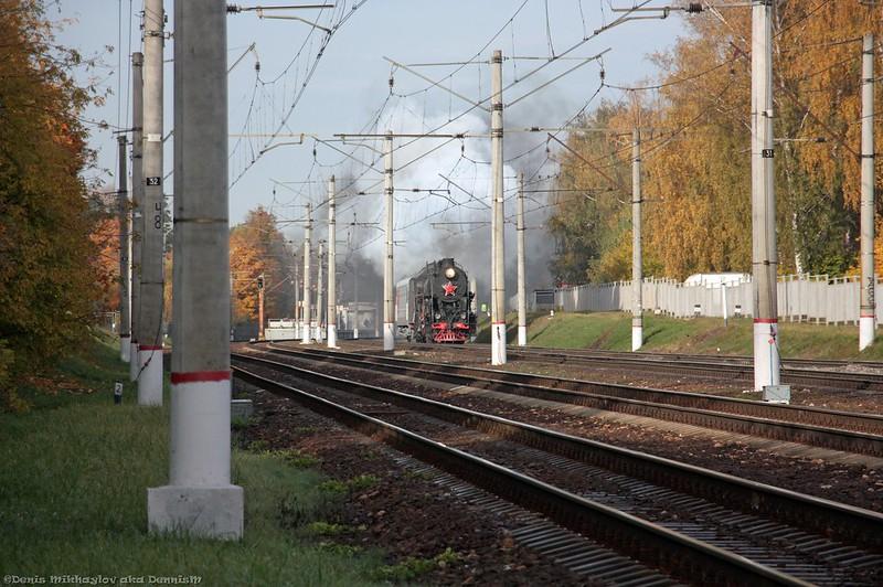 Паровоз Л-2057 с туристическим поездом