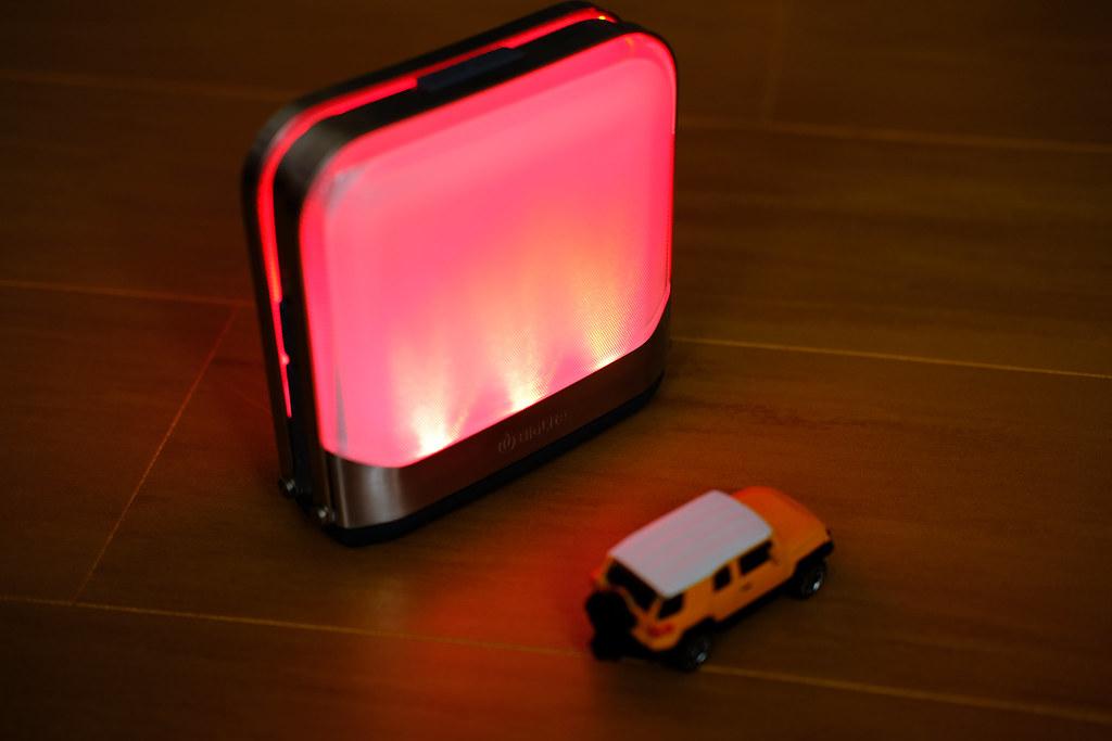 BioLite ベースランタン 赤く点灯