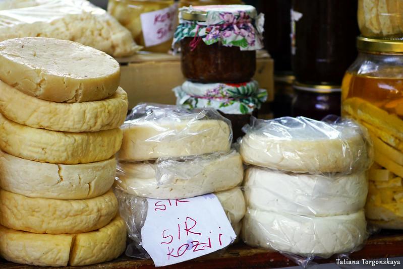 Головки герцеговинского сыра