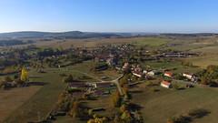 Vue aérienne d'un petit village de Haute Saone
