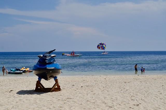 Alona Beach to-do's, Nikon D7000, AF Nikkor 50mm f/1.8