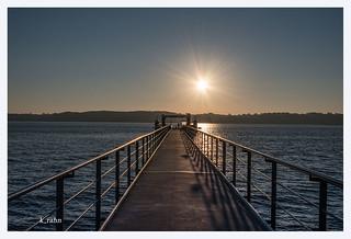 Seebrücke im Sonnenaufgang